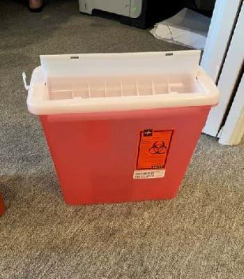 5 quart sharps container